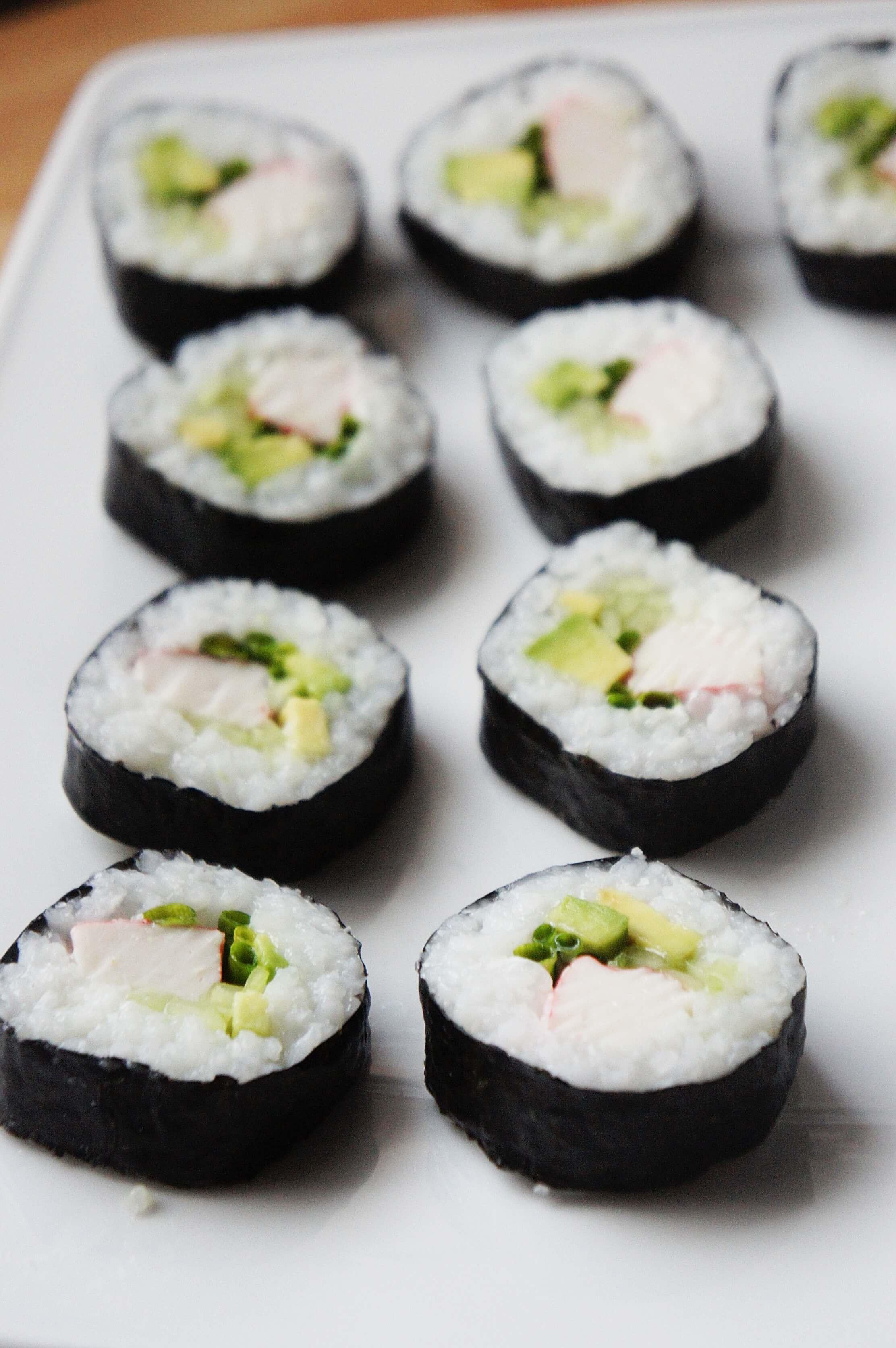 Jak zrobić Sushi z surimi? Blue dragon